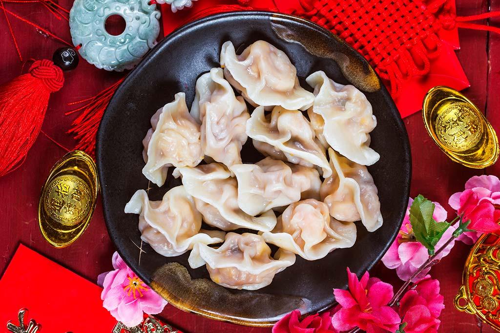 Des raviolis, également appelés jiǎozi, pour le repas du Nouvel An chinois