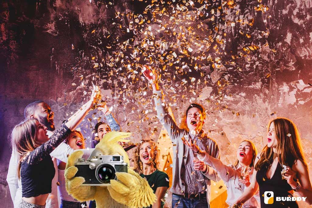 Le photobooth ? L'animation de soirée d'anniversaire idéale pour mettre l'ambiance !